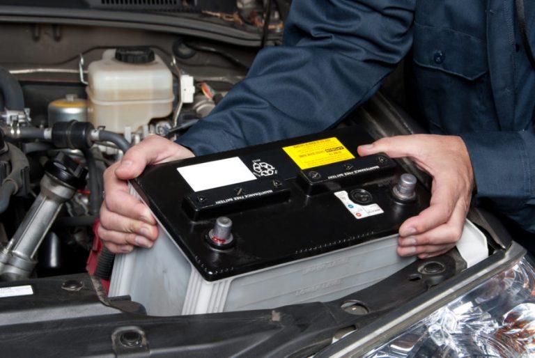 vérifier batterie voiture